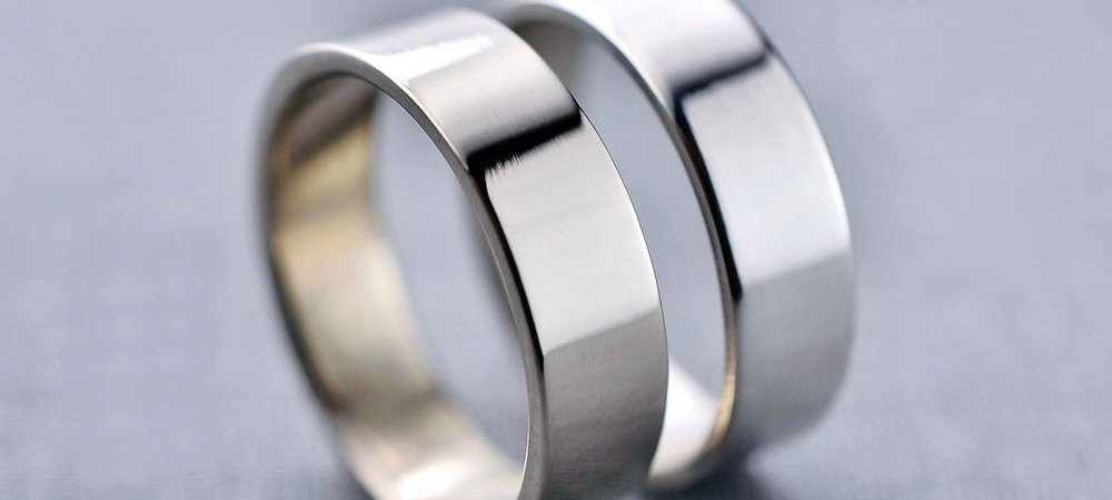 The Pros And Cons Of White Gold Rings Vs Platinum Rings